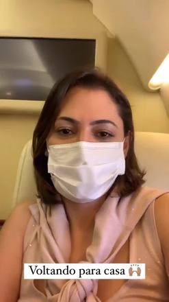Michelle posta vídeo com Bolsonaro em avião para Brasília