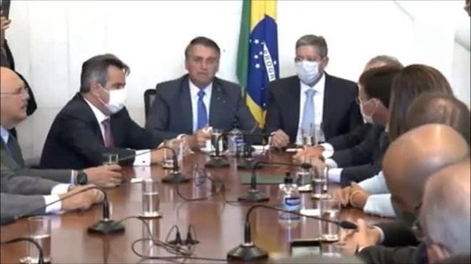 Bolsonaro entrega ao Congresso mudanças no Bolsa Família