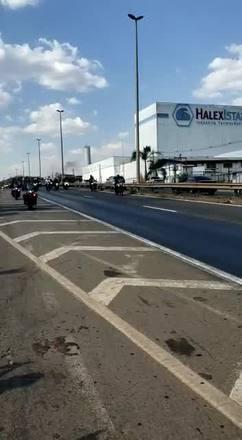 Presidente participa de passeio de moto em Goiânia