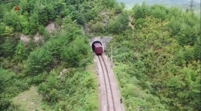 Coreia do Norte usa vagão de trem para lançar míssil