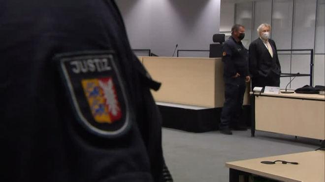 Alemanha: ex-secretária nazista de campo de concentração é solta