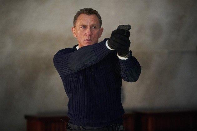 A despedida de Daniel Craig do personagem James Bond estava prevista para março de 2020. 007: Sem Tempo Para Morrer chegou a ser remarcado três vezes. No entanto, por causa da covid-19, o filme foi adiado para setembro deste ano
