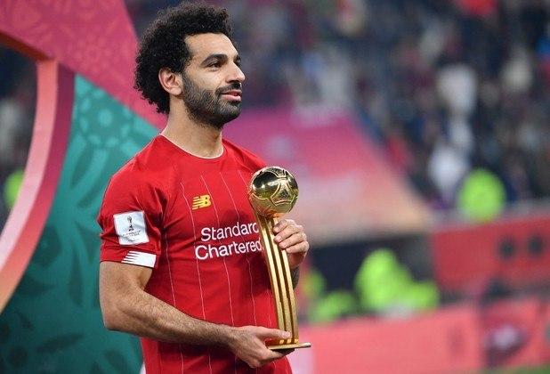 """04 – Mohamed Salah; O valor do jogador egípcio do Liverpool caiu 20% de janeiro até agora. Significa que Salah vale R$ 726 milhões para o mercado da bola. Ele tinha 25 anos quando foi negociado pela Roma com o Liverpool, ao preço médio de R$ 156 milhões. Isso em 2017, ou seja, mesmo """"desvalorizado"""", o cara rendeu muito."""