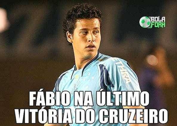 04.08.19 - Já na partida seguinte, o Cruzeiro foi derrotado pelo rival Atlético-MG. A crise aumentava dentro do clube.