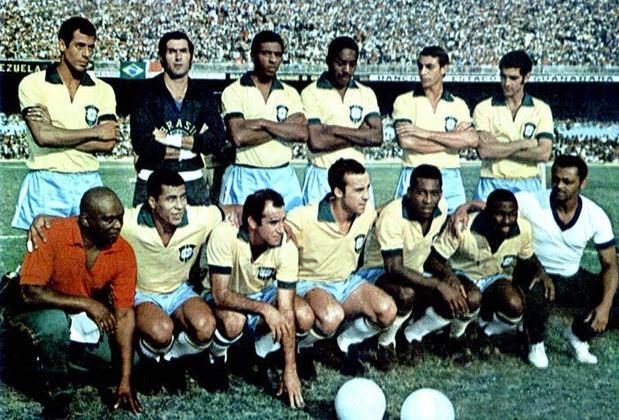 06/08/1969: A Seleção estreava contra a Colômbia, em Bogotá, com o jogo realizado no Estádio El Campín. Tostão decidiu o jogo e fez os dois gols da partida, que acabou 2 a 0 para a Seleção, que mais tarde viria a encantar a todos na Copa do México.