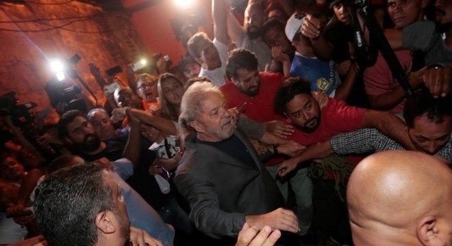 Lula deixa sede do Sindicato dos Metalúrgicos, em São Bernardo do Campo