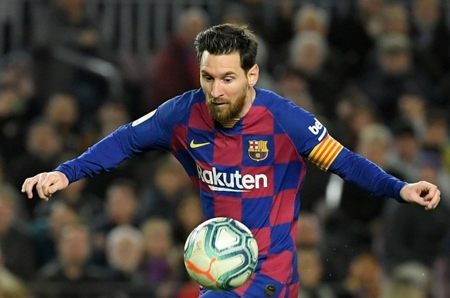08 – Lionel Messi; Curioso que talvez aquele que seja o melhor jogador do mundo na atualidade não seja o de maior valor de mercado. Messi também sofreu queda de 20% no valor de mercado, que está em torno de R$ 678 milhões.