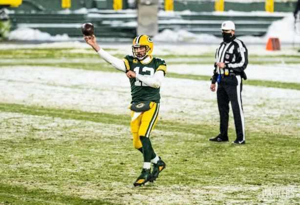 1º Aaron Rodgers (Green Bay Packers): O quarterback conta com oscilação de Mahomes na reta final para chegar ao topo e fica mais próximo do 3º prêmio de MVP na carreira.