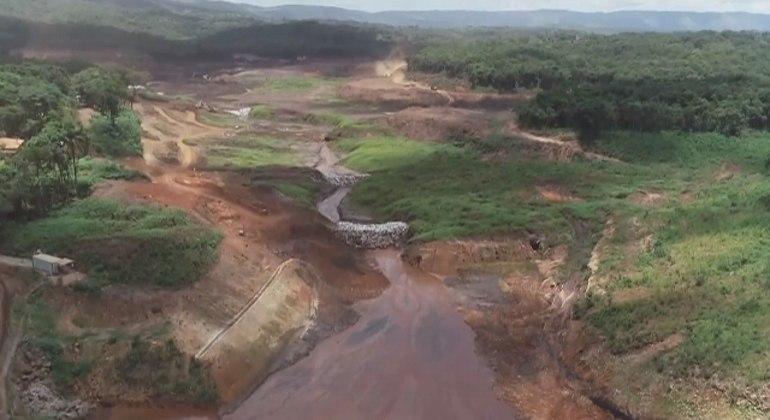 Rompimento da barragem de Brumadinho ocorreu em 25 de janeiro de 2019