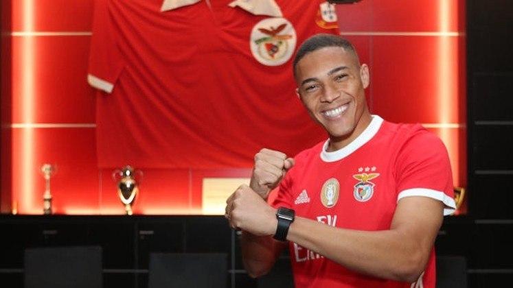 1º - Carlos Vinícius - Benfica - Portugal - 20 gols na temporada - 15 gols no Campeonato Português, 4 gols na Taça de Portugal e 1 gol na Champions League