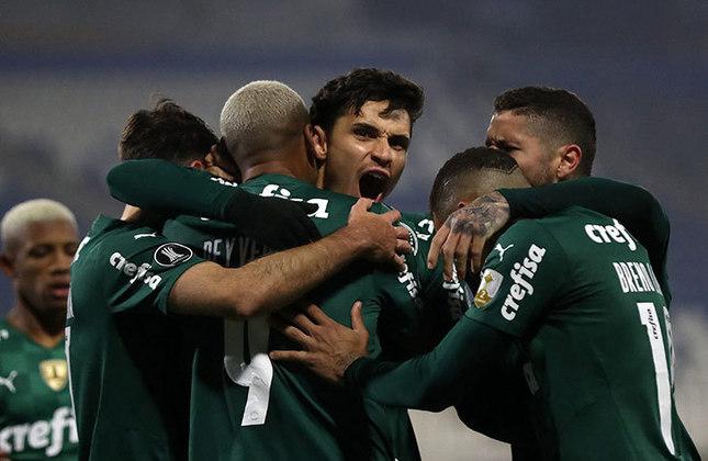 1º colocado – Palmeiras (32 pontos) – 14 jogos / 32.8% de chances de título; 93% para vaga na Libertadores (G6); 0.005% de chances de rebaixamento.