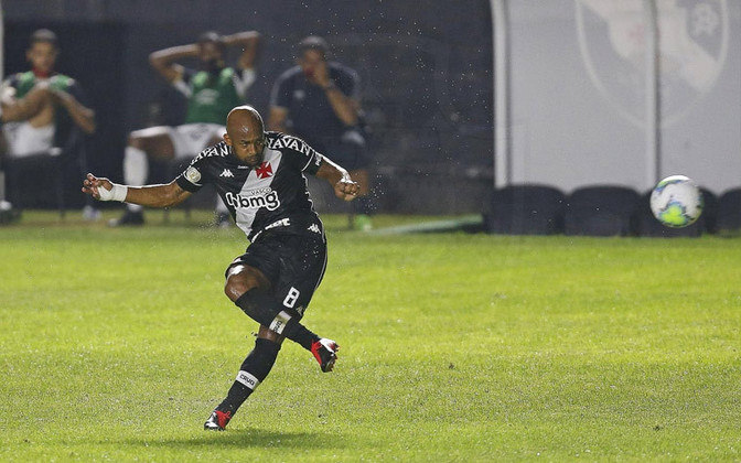 1º - Fellipe Bastos - Vasco - 3 gols
