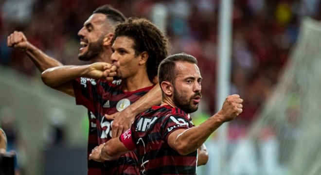 Farra do Flamengo contra o acovardado Atlético Mineiro. Oito pontos de vantagem