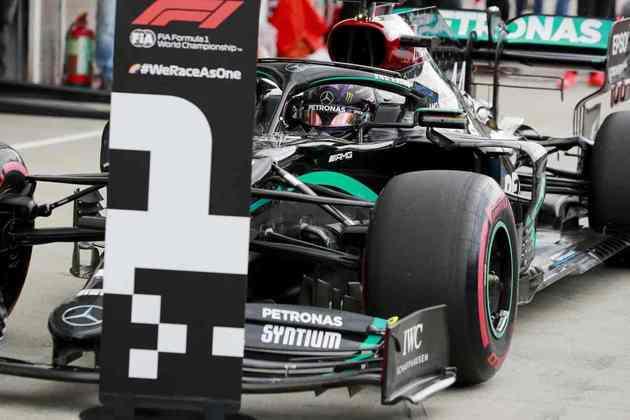 1 - Lewis Hamilton, 90 poles, a última delas com o Mercedes W11 no GP da Hungria de 2020