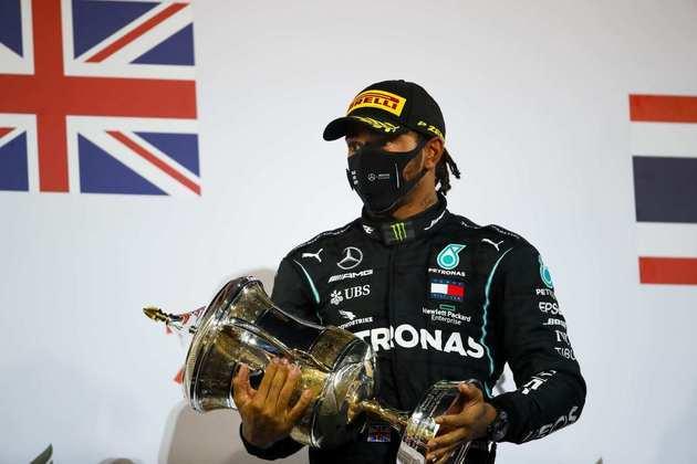 1) Lewis Hamilton é quem mais recebe. O heptacampeão, que renovou com a Mercedes para 2021, ganha £ 40 milhões (R$ 299,7 milhões)