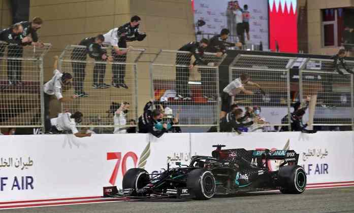 1º - Lewis Hamilton (Mercedes) - 9.63: Venceu fácil, mas sem muito esforço.