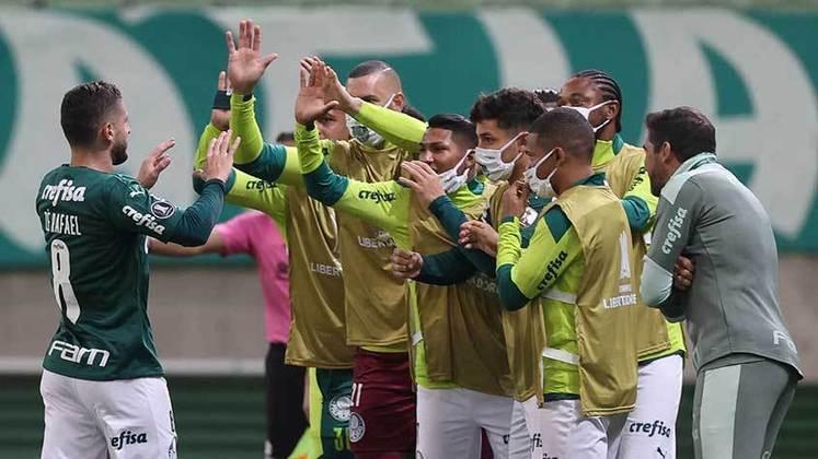 1º lugar - Palmeiras: Valor total do elenco segundo o site Transfermarkt: 131,15 milhões de euros (aproximadamente R$ 849,54 milhões)