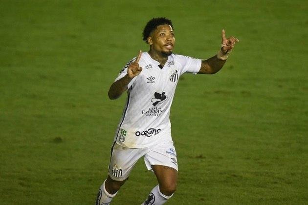 1º - Marinho - Santos - 3 gols