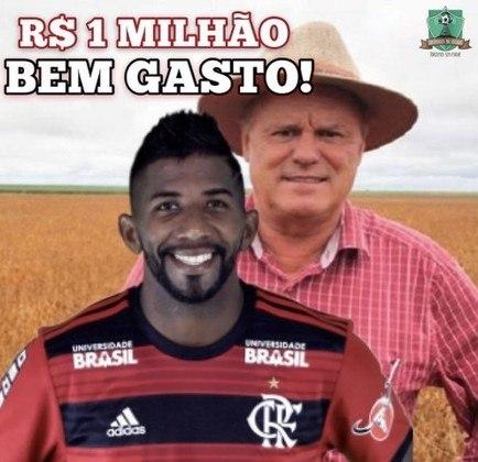 1 milhão no lixo? Expulsão de Rodinei no jogo contra o Flamengo vira meme na web