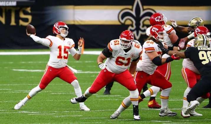 1º Patrick Mahomes (Kansas City Chiefs): O talentoso quarterback caminha para o seu segundo prêmio de MVP em três anos. O camisa 15