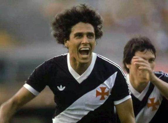 1º - Roberto Dinamite - 193 gols - Maior artilheiro da história do Vasco e jogador com mais partidas pelo clube, Roberto Dinamite não poderia deixar de ser também o principal goleador vascaíno no Maracanã.