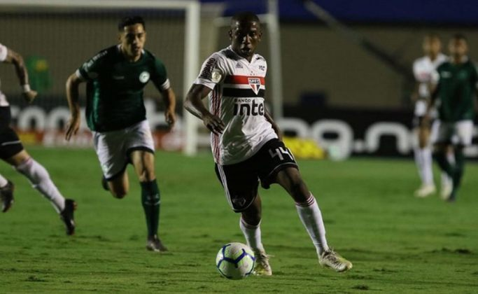 1ª rodada - Goiás x São Paulo - Domingo, às 16h, o Tricolor estreia no estádio Hailé Pinheiro, em Goiânia. No ano passado, a equipe venceu o Goiás como visitante por 2 a 1, mas perdeu em casa por 1 a 0 no jogo que encerrou a passagem de Cuca.