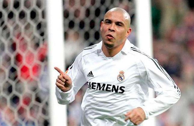 1° - Ronaldo (BRA): 167 gols em 185 jogos. (Hoje: 44 anos / Aposentado)
