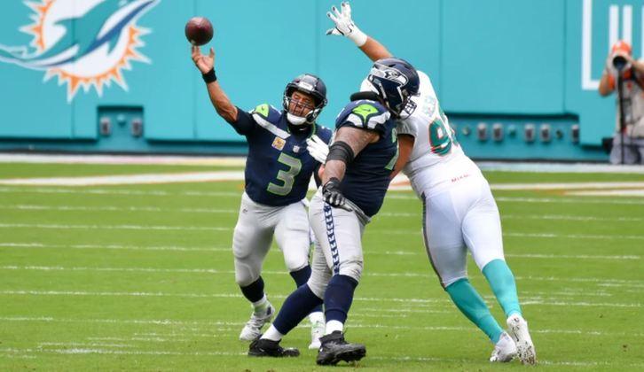 1º Russell Wilson (Seahawks): Líder em touchdowns na NFL, com 16, e o mais preciso após quatro jogos: 75.2%