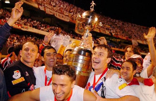 1° - SÃO PAULO (6 finais): 1974, 1992 (campeão),1993 (campeão),1994, 2005 (campeão) e 2006.