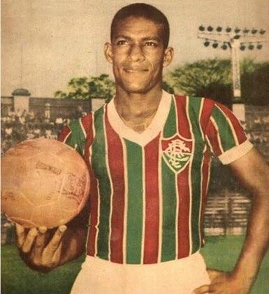 1º - Waldo - 1954/1961 - 319 gols em 403 jogos