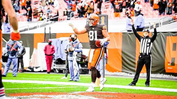 10. Austin Hooper (Cleveland Browns): Apesar da temporada abaixo de suas expectativas, um pouco por causa de lesões e também pela adaptação a um novo sistema ofensivo, Hooper segue sendo um dos tight ends de mais potencial da liga. Com 70+ recepções em cada uma das duas temporadas de 2018 e 2019, é esperado que o atleta dos Browns se recupere em 2021.
