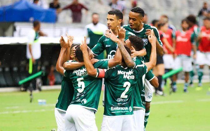 10- CALDENSE (MG) - O time mineiro estreou na Série D do Brasileiro com oito desfalques. Sem poder contar com os atletas contaminados, a equipe perdeu de 3 a 1 para o Brasiliense, na primeira rodada da competição, jogando fora de casa.