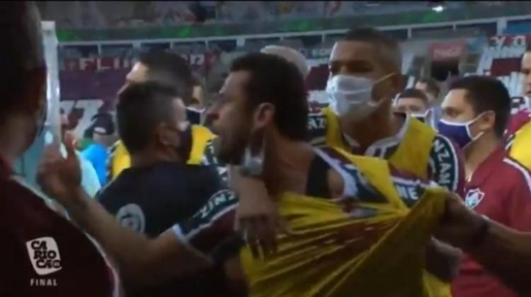 10. Confusão e brigas no Maracanã
