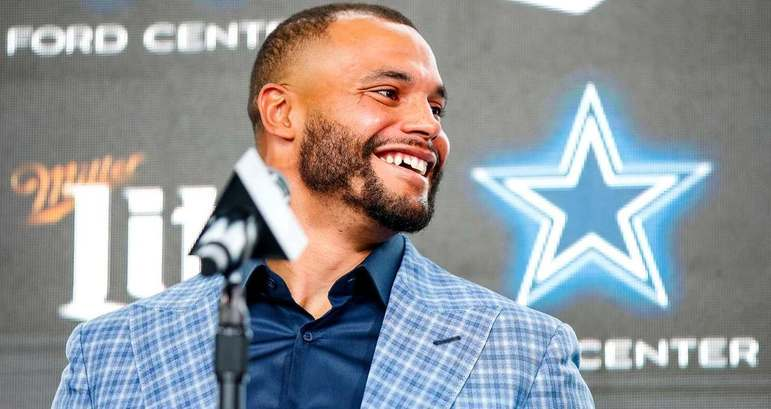 10. Dak Prescott (Dallas Cowboys): Não foi sem um bom motivo que os Cowboys finalmente pagaram um contrato longo para Dak, que o colocou no top 3 dos jogadores mais bem-pagos da história da liga, em termos de média anual de pagamento.