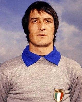 10º - Enrico Albertosi - 529 jogos - Clubes que defendeu na Itália: Spezia, Cagliari, Fiorentina e Milan