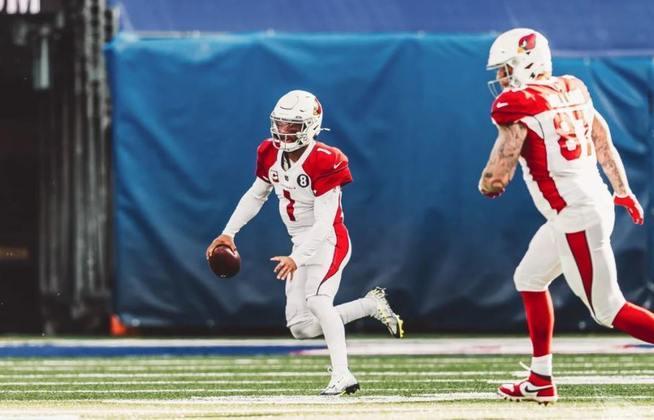 10º Kyler Murray (Arizona Cardinals): Por fim, a lista se encerra com o quarterback do Arizona Cardinals, que caminha para levar a franquia aos playoffs após seis anos.