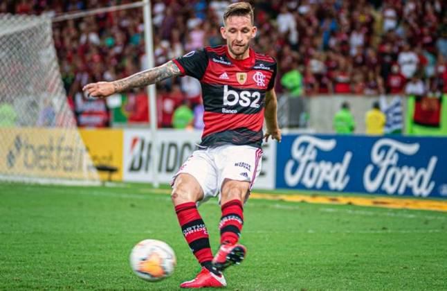 10º - Léo Pereira - Valor: R$ 30.140.000,00 - Vendedor: Athletico-PR