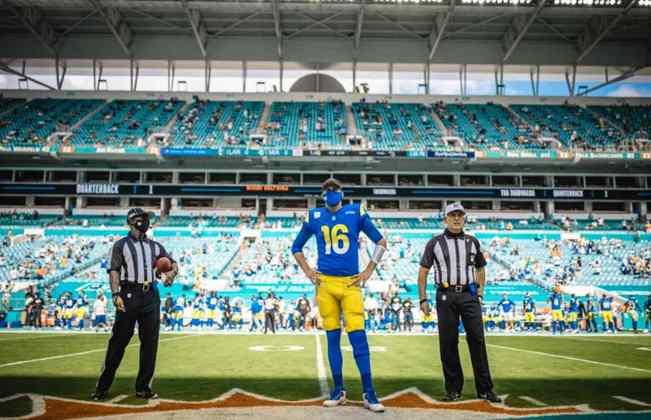 10º Los Angeles Rams - A franquia encontra problemas quando Jared Goff é pressionado. A OL tem que aparecer para o ataque render.