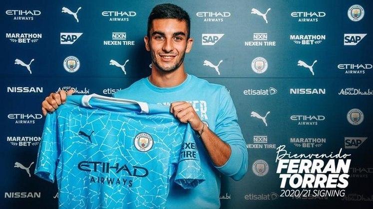 10º lugar: Ferrán Torres (atacante espanhol - 20 anos - Manchester City) - 8 pontos na votação