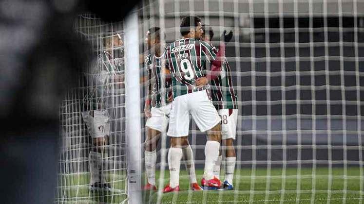 10º lugar: Fluminense - Audiência em todas as redes sociais: 4.108.787 - Audiência no Facebook: 1.443.968 - Audiência no Instagram: 696.142 - Audiência no Twitter: 1.337.677 - Audiência no TikTok: 0 - Audiência no YouTube: 631.000
