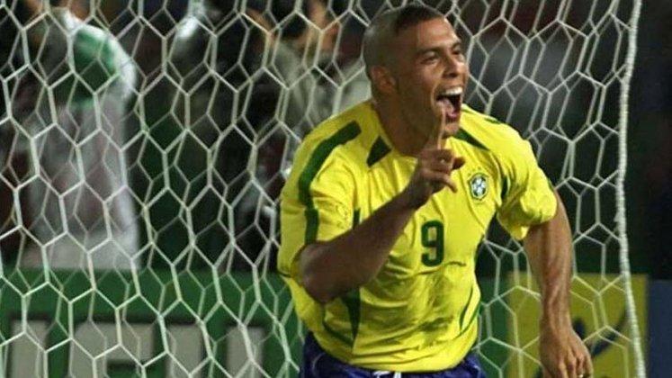 10º lugar: Ronaldo Fenômeno - 105 partidas pela Seleção Brasileira