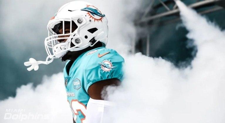 10º Miami Dolphins (8-4) - Defesa forçando turnovers, ataque gerenciando o jogo e cuidando da bola. A franquia da Flórida encontrou a receita do sucesso para a temporada.