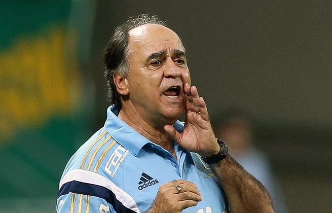 10) Na décima colocação, Marcelo Oliveira, sem clube, tem 128 vitórias. Ele atuou no Palmeiras, Cruzeiro, Atlético-MG e outros times no período.