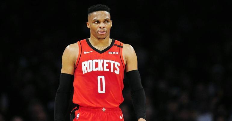 10- Russell Westbrook (Houston Rockets) O rei dos triplos-duplos da NBA começou a passagem pelo Houston Rockets com dificuldades para acertar-se na dupla com James Harden. Mas, quando a liga foi paralisada, ele já estava (novamente) imparável: tinha médias de 30.4 pontos, 7.8 rebotes e 6.7 assistências desde a virada do ano