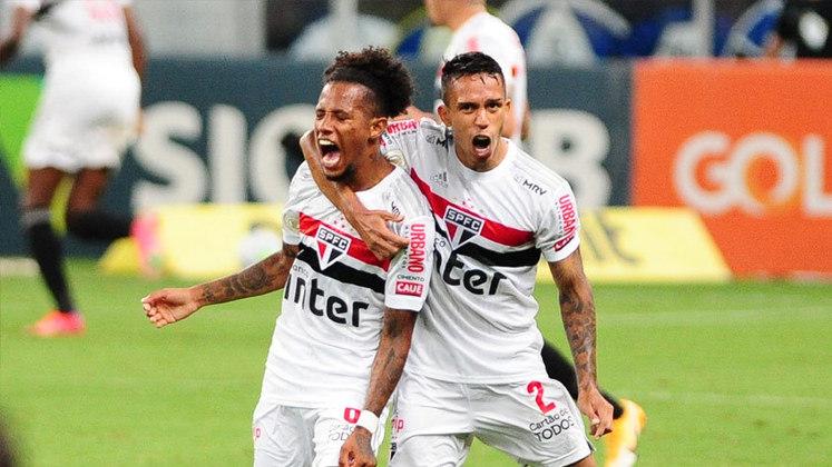 10º - São Paulo - 26 pontos em 18 jogos. Sete vitórias, cinco empates e seis derrotas. Vinte e cinco gols marcados e vinte e cinco sofridos. 48,15% de aproveitamento.
