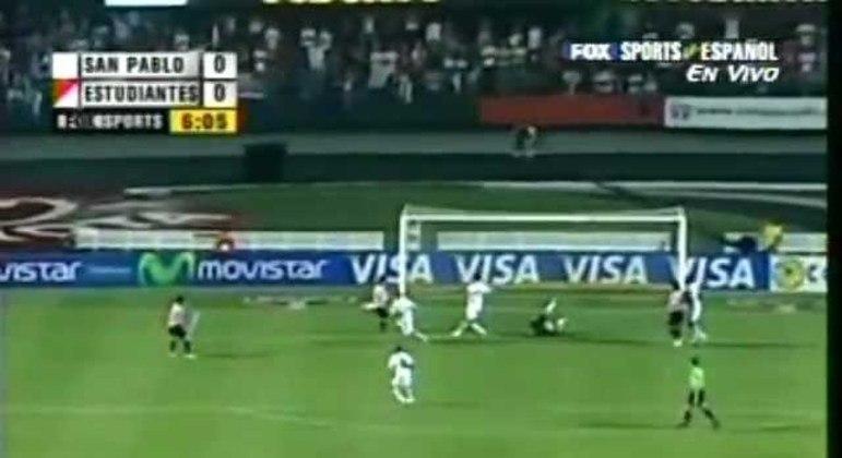 10/05/2006 - Estudiantes 1 x 0 São Paulo (Libertadores 2006) - Pelas quartas de final da Libertadores, Alayes fez o gol solitário da equipe argentina.