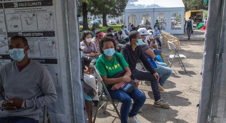 Mais de 35 milhões de pessoas já receberam a primeira dose da vacina contra a covid no país