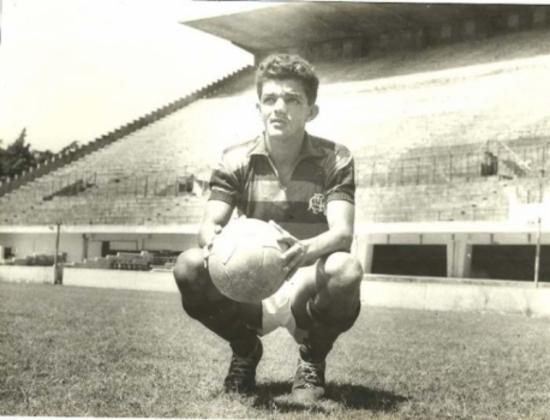 10/07/1962 - Flamengo 7 x 0 Canto do Rio - Gols do Flamengo: Dida (foto) (3), Jair Rosa Pinto (2), Gérson e Henrique