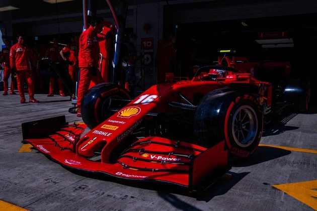 11) Charles Leclerc (Ferrari), 1min33s239