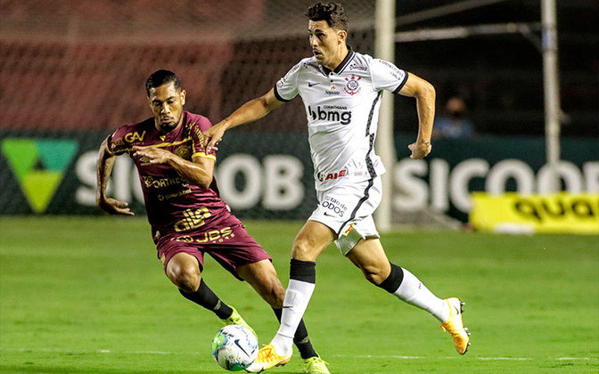 11º - Corinthians - 51% de aproveitamento - 17 jogos - 7 vitórias - 5 empates - 5 derrotas
